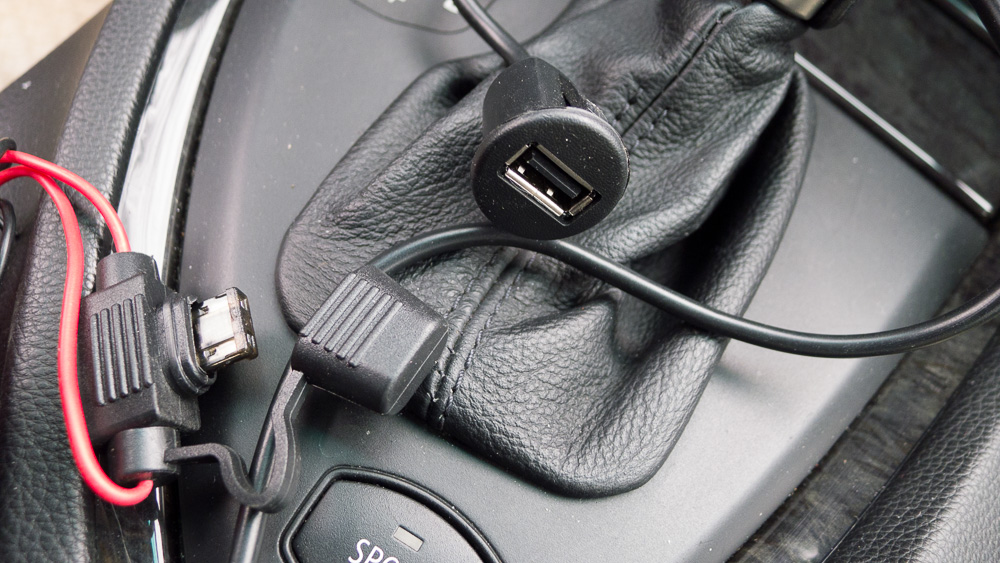 Adding usb port to center console bimmerfest bmw forums i spent a lot of time trying to remove the center console arm rest bin to gain access to the interior i found that i could pull the bin up somewhat sciox Choice Image