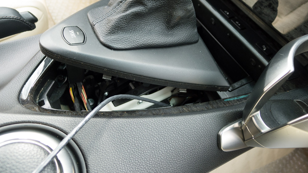 Adding USB Port To Center Console Bimmerfest BMW Forums - 2005 acura tsx aux input